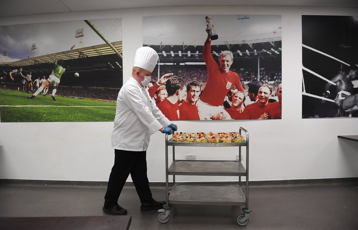 Visited Wembley stadium last week to see the amazing work being done by @CompassionLDN. With the help of @FA & @wembleystadium they're aiming to cook 20,000 meals a day for key workers and the vulnerable. https://t.co/GrS150hAzZ