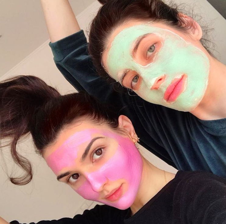 Today's #MaskMonday is featuring @_motherofmakeup_ We agree, masking in THE best quarantine plan! https://t.co/5VLO7EnVBy