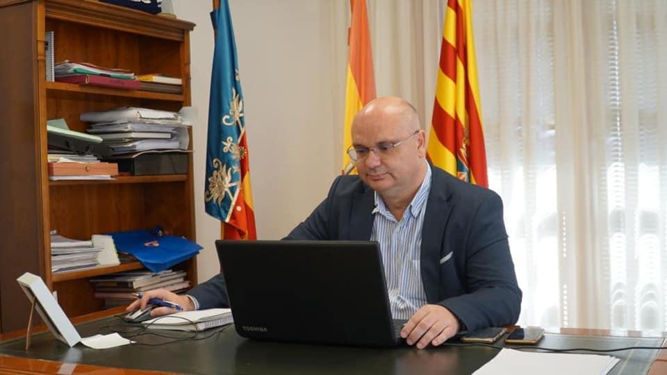 """Ajuntament de la Vila Joiosa on Twitter: """"El alcalde de la Vila Joiosa, Andreu Verdú ha compartido unas palabras con ..."""