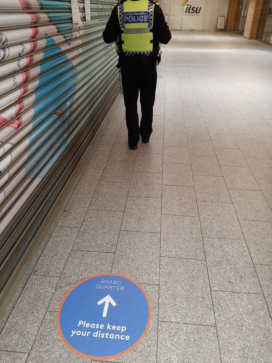 We have officers on patrol across #London today to keep you safe on your journey home & ensuring that passengers observe #SocialDistancing Please #KeepYourDistance (at least 2 metres) from others during your journey & around the station. #StayAlert #ControlTheVirus #SaveLives