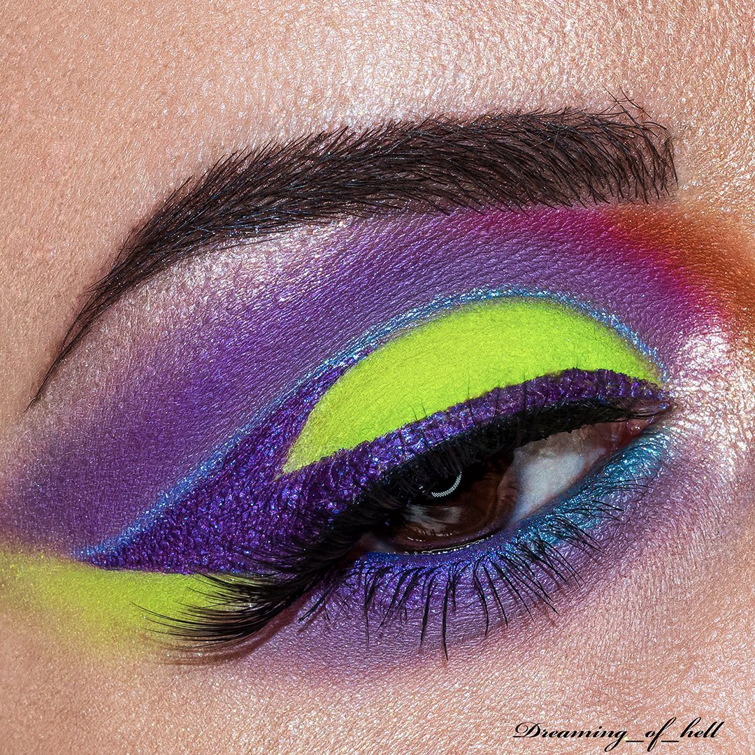 • purple acid • #sigmabeauty #morphebrushes  #anastasiabeverlyhills #flawlesssdolls #jeffreestarcosmetics #purplemakeup #slave2beauty #wemakeup #blazin_beauties #mua_underdogs #rudecosmetics #mesaudamilano #makeupoftheday #neonmakeup #bperfectcosmetics #beautybayprsearchpic.twitter.com/NGkD5x9hVV