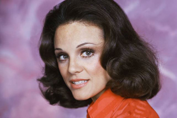 .@ValerieHarper / Wrapping this Monday up with this beautiful face; which is telling a million stories in it's own. And we love it!  - #ValerieHarper #Rhoda #RhodaMorgenstern #TheMaryTylerMooreShow #tv #classic #actress #ladinglady<br>http://pic.twitter.com/LBp1gi4y5i
