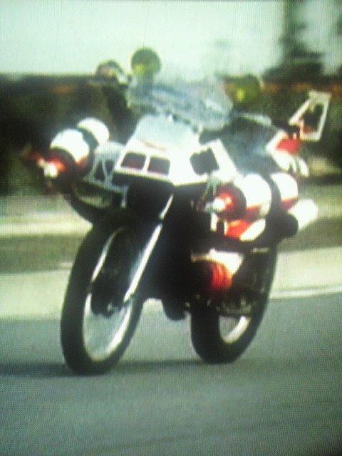 バイクの自動運転も、 裏側はなかなか大変そうです^^;