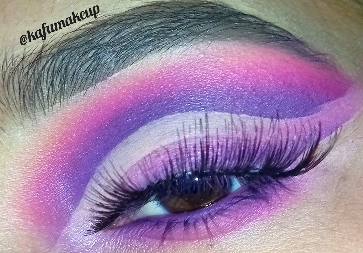 Follow me @kafumakeup #makeup #makeupnews #makeupartistsworldwide #makeuppictorial #eyeshadows #eyemakeup #explore #explorepage #photooftheday #slave2beauty #beauty #undiscoveredmuas #100daysofmakeup #glammakeup #blazin_beauties #mua #makeupvideo #makeupviral #quarantine #viralpic.twitter.com/kVWkXJ0RER