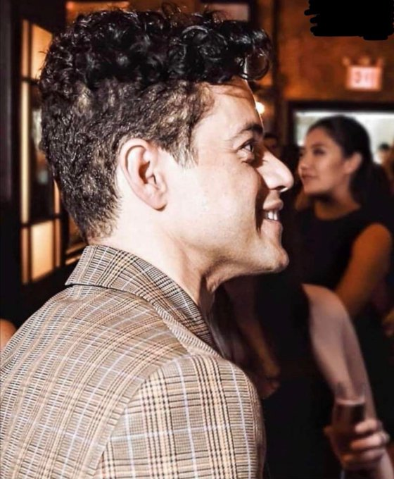 Happy birthday to this cutie  have a nice day @ rami malek, even if ya recently deleted your message account :c