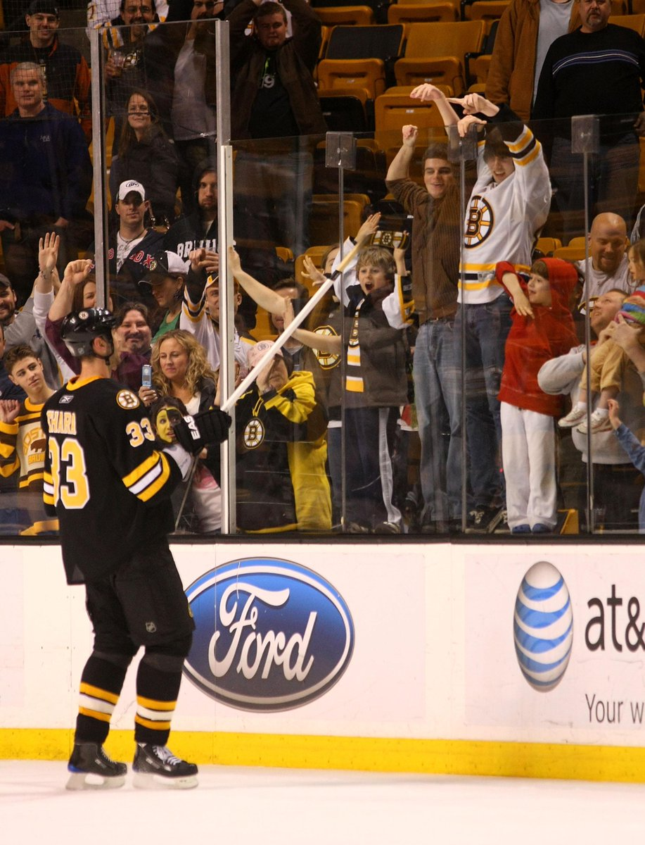 What a night for the big man. On March 31, 2009 – during his Norris Trophy-winning campaign – Zdeno Chara notched a Gordie Howe hat trick, including the deciding goal, in a 3-1 victory over Tampa. @NESN | #BruinsEncore