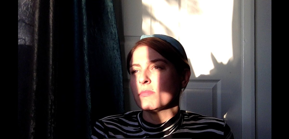 Playing around with lighting for a Shakespeare monologue ☺️🎭🎥 #actor #monologue #film #theatre #selftape #actorslife #lighting #screenshot #actress #HappyTuesday #keepsmiling ❤️