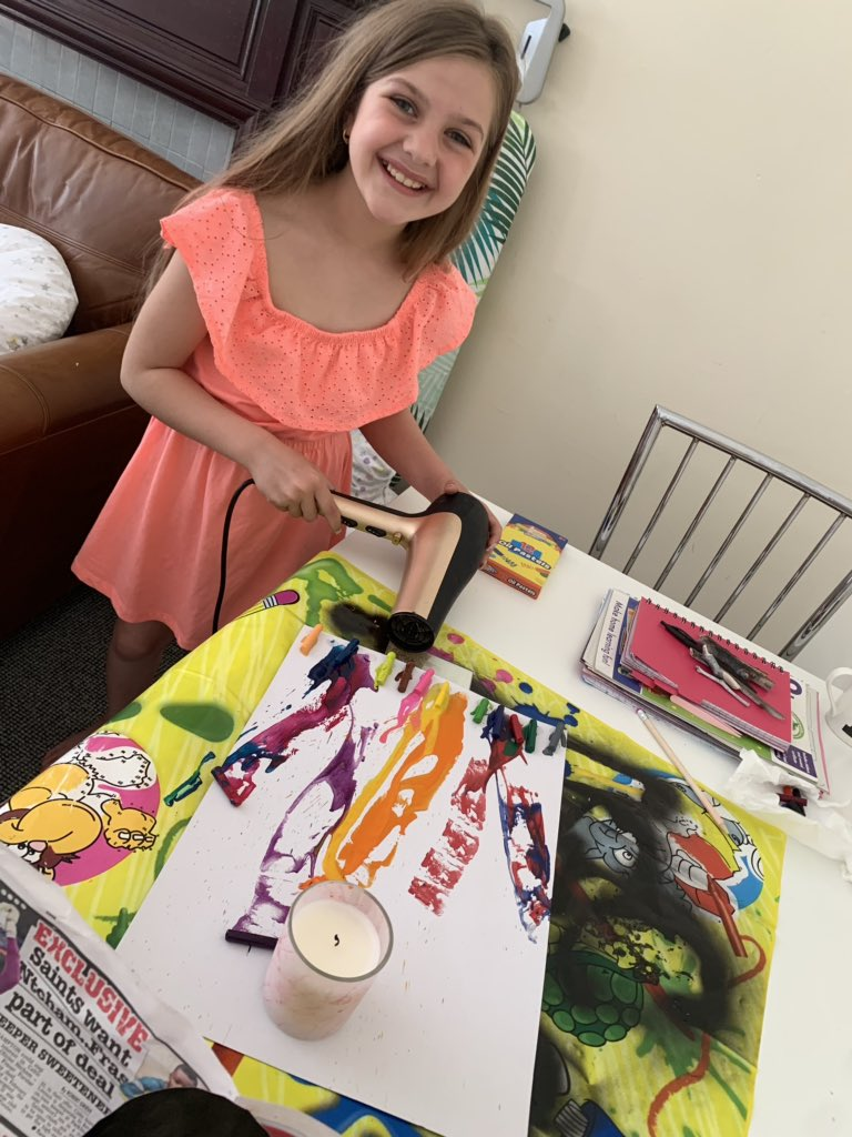 Crayon art, Coin counting & 2 visits to #spaghettithesnake he's growing each visit  along with times tables being shouted out every so often to her & some scone & slime making! #KeepingBusy #stayingsafe @NiddrieMillPS  @MissKingNMPSpic.twitter.com/Qqfo3ioJkA