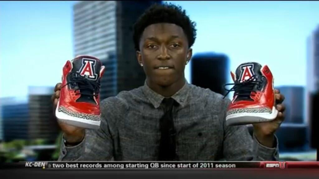 @iAmSJ had the greatest school announcement of all-time