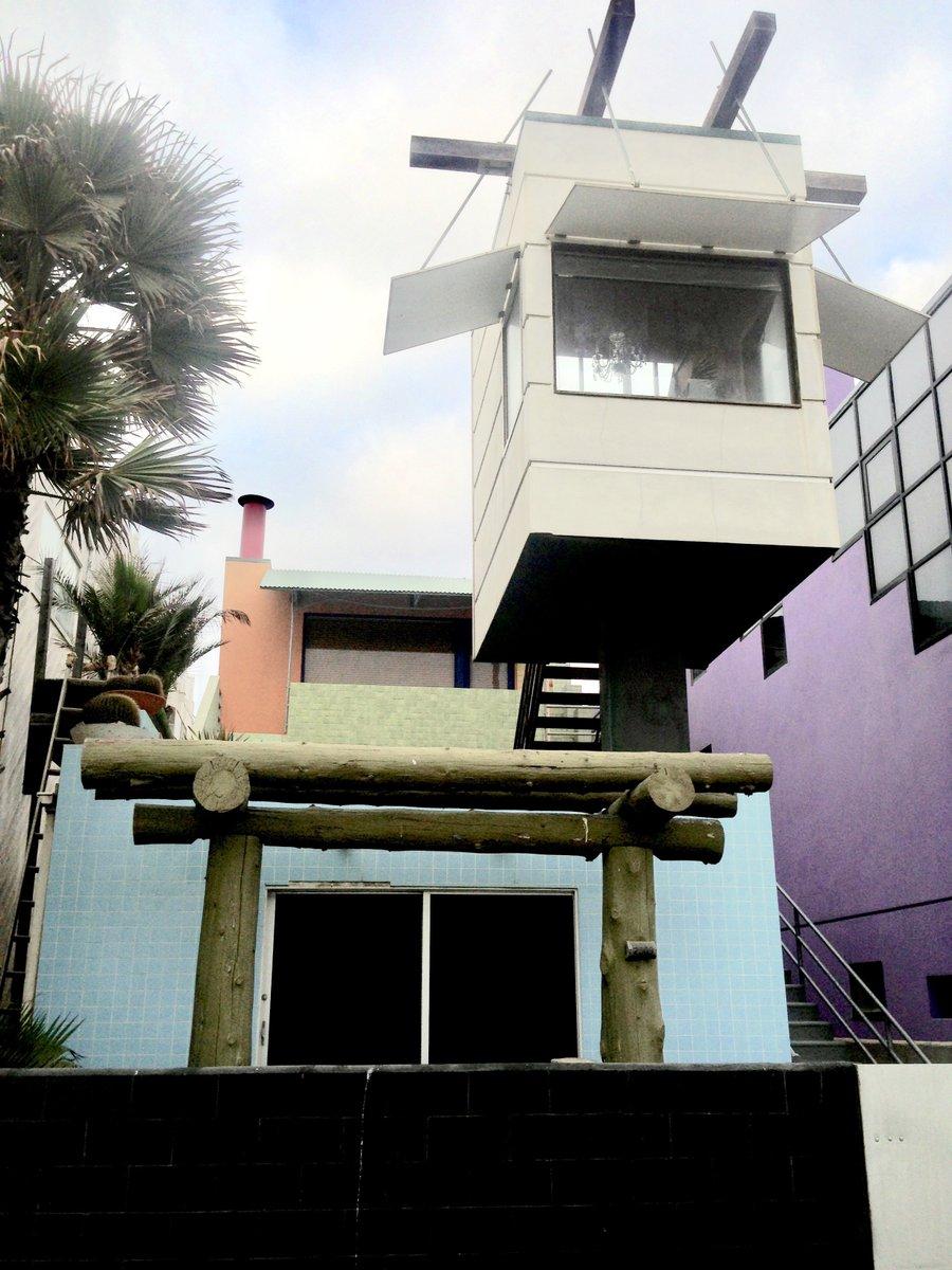 Beach House, Venice Beach, California. #architecture pic.twitter.com/X71ebGXLqQ