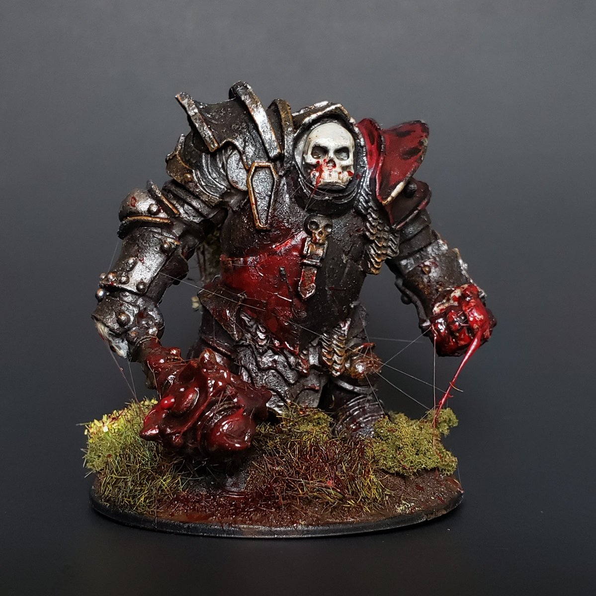 Finished a pretty gory Maggotcrown Ogre Juggernaut from @reapermini! I've been wanting to paint this guy for awhile now and I finally got the chance to so it. #minipainting #miniatures #ttrpg #reaperminipic.twitter.com/OIjsJksj2J