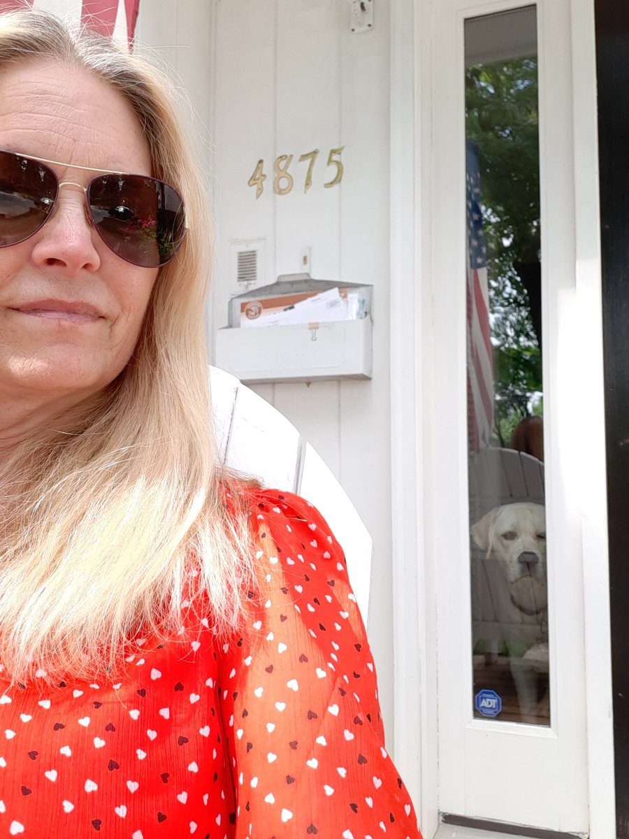 Wearing red to show my support for all the veterans. Thinking of you this day after Memorial Day <a target='_blank' href='http://search.twitter.com/search?q=HFBTogether'><a target='_blank' href='https://twitter.com/hashtag/HFBTogether?src=hash'>#HFBTogether</a></a> <a target='_blank' href='http://search.twitter.com/search?q=hfbtweets'><a target='_blank' href='https://twitter.com/hashtag/hfbtweets?src=hash'>#hfbtweets</a></a> <a target='_blank' href='https://t.co/QXZKVS54bP'>https://t.co/QXZKVS54bP</a>