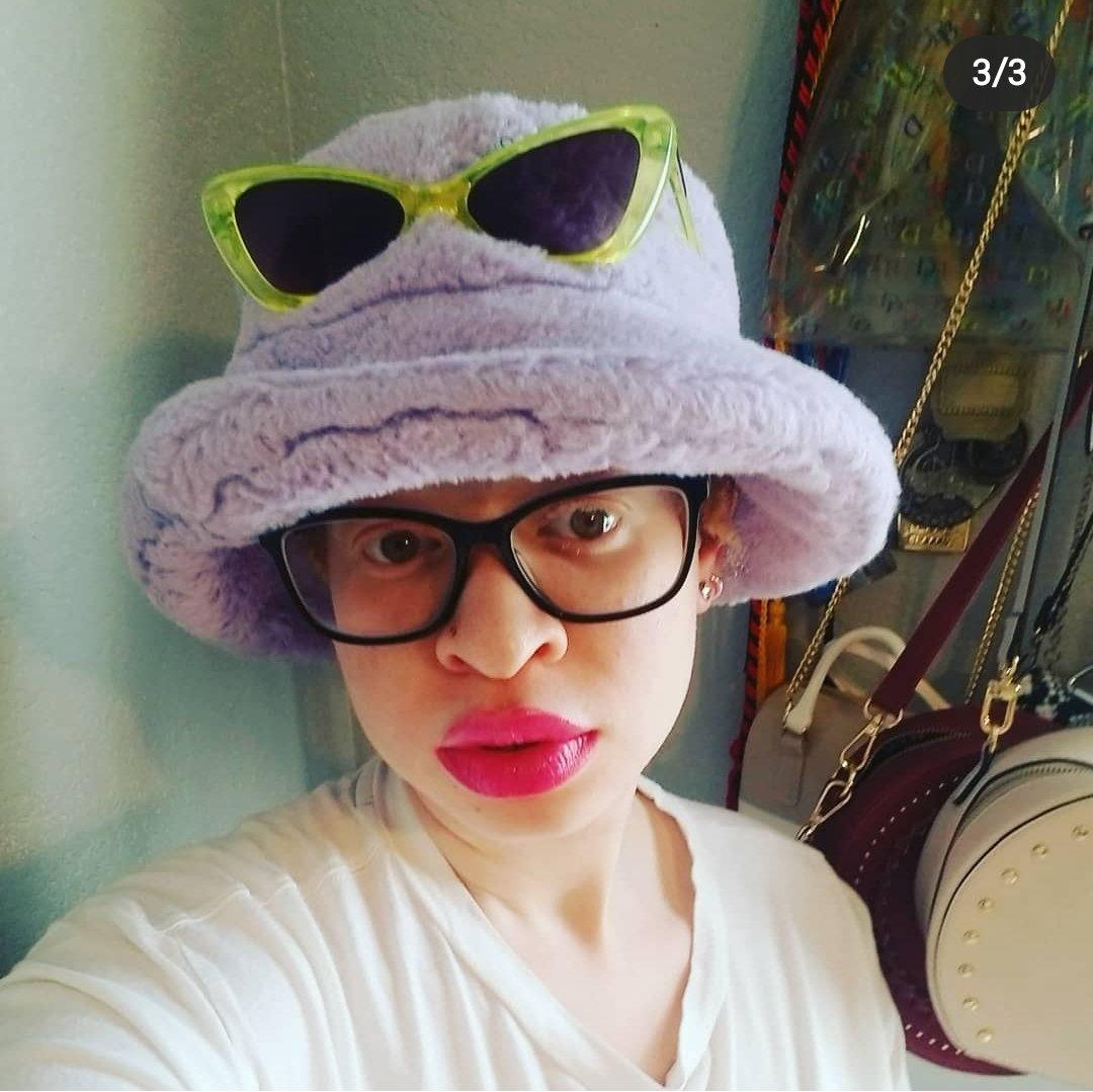 I mean, who doesn't wear two pairs of #glasses..... lol #sunglassespic.twitter.com/6qM6GdoQ6l