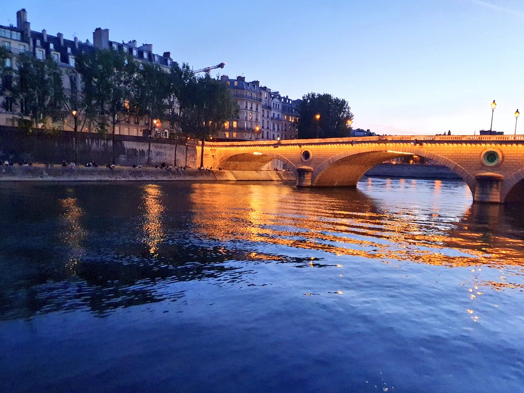 The first evening by the Seine in months.  #Paris #traveltribepic.twitter.com/Dp9XTk0UbE