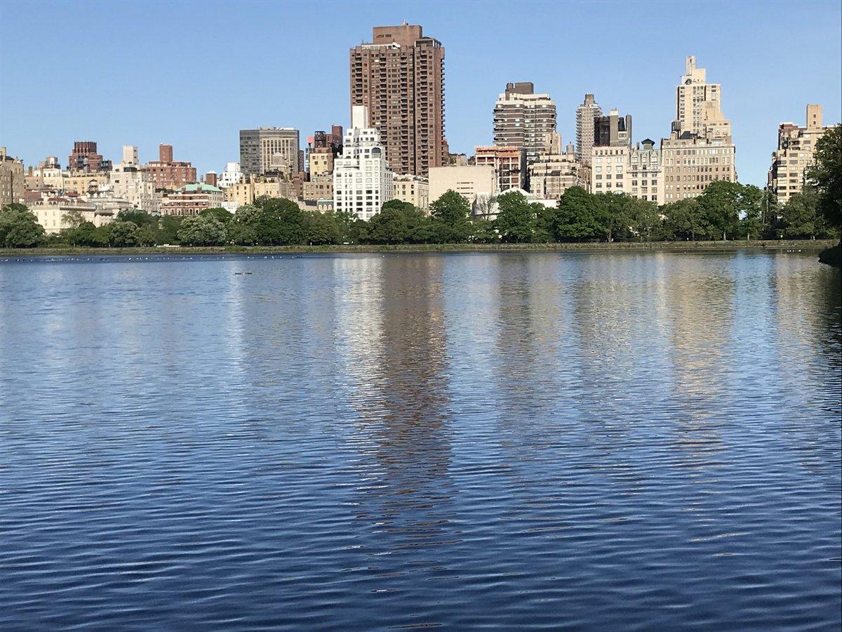 Running in Central Park.  71F/21.6C    #Running #NYC pic.twitter.com/myQeXPTCtT