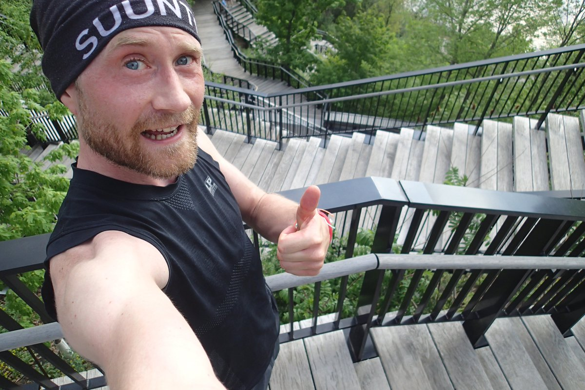 Lovely warm weather for a run: 32°C and 15k    Trails + stairs  Remember to stay hydrated in this weather!  Hope you've had a great day!! @OttawaMarathon #TeamAwesome @nuunhydration #TeamNuun  #SocialDistancing<br>http://pic.twitter.com/mxpQuFOC5K