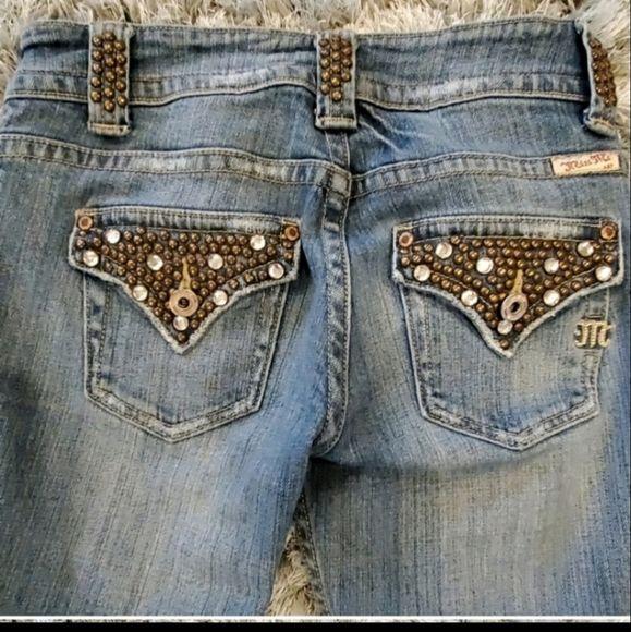 https://poshmark.com/listing/Miss-Me-Blue-Skinny-Jeans-Size-26-5eb178543cda884f0e8c6403… #missme #missmejeans #skinnyjeans #poshmark #poshmarkcloset #shopmycloset #trendy #streetstyle #streetwear #fashionista #fashionlover #fashion #styleblogger #poshseller #poshmarkseller #poshaddict #womanswear pic.twitter.com/Pwdi18bklD
