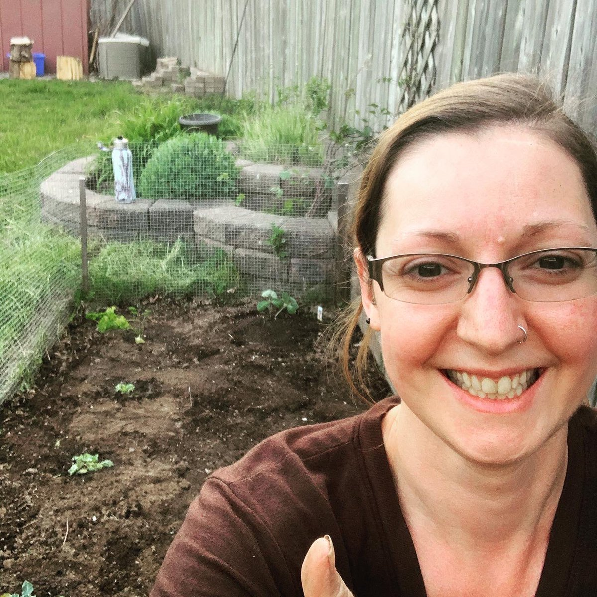 Loving the #sunshine and #warm weather! Got my first #vegetable plants in the ground.pic.twitter.com/wDW8BsuUq5