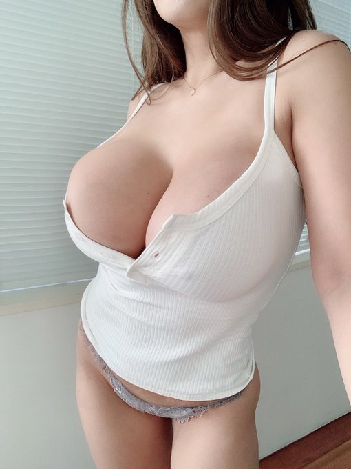 AV女優さくら悠のTwitter自撮りエロ画像2