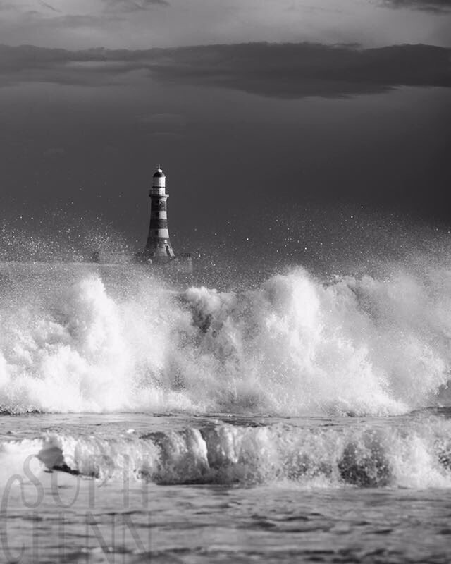 Before storm Ciara during February.  - - -  #lighthouse #lighthouses #nature #sea #photography #sunset #landscape #beach #blackandwhite #lighthousesofinstagram #lovers #ocean #raw #destiny #landscapephotography #leuchtturm #captures #sky #art #light #love #roker #sunderland