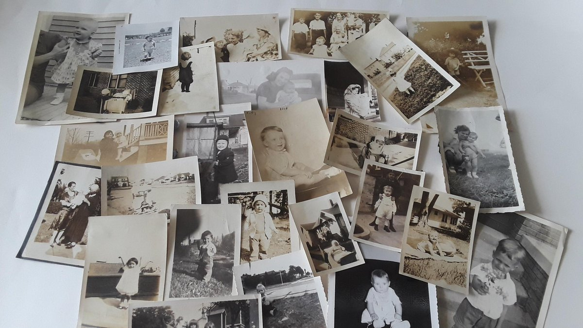 Excited to share the latest addition to my #etsy shop: Vintage Lot of 26 Black and White Child and Baby Photos, Child Photo, Baby Photo, Family Photo, Craft Photos 1914-1949 https://etsy.me/36win7x #vintagephoto #childphoto #babyphoto #craftphotos #familyphotos #historpic.twitter.com/8m9P36YOKn