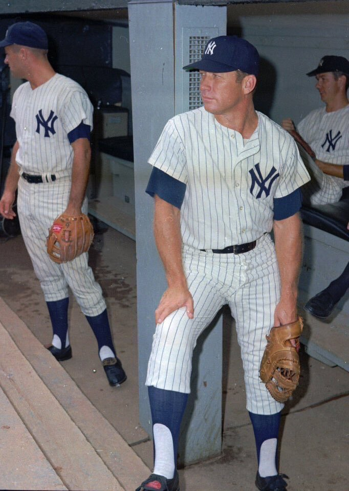 """""""Old Days""""The Yankees Mickey Mantle stands in the dugout before a 1968 game at Yankee Stadium.#mlb #Yankees #YankeeStadium #nyc #hof #1960spic.twitter.com/IqHhnrS1il"""