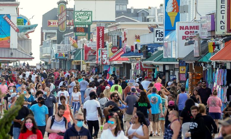 This is the boardwalk in Ocean City, MD as the death toll from coronavirus is about to hit 100K Hundreds of thousands of soldiers didnt give their lives so youd have the freedom to infect your neighbors with a deadly virus. Be smart #WearAMask #MemorialDayWeekend2020