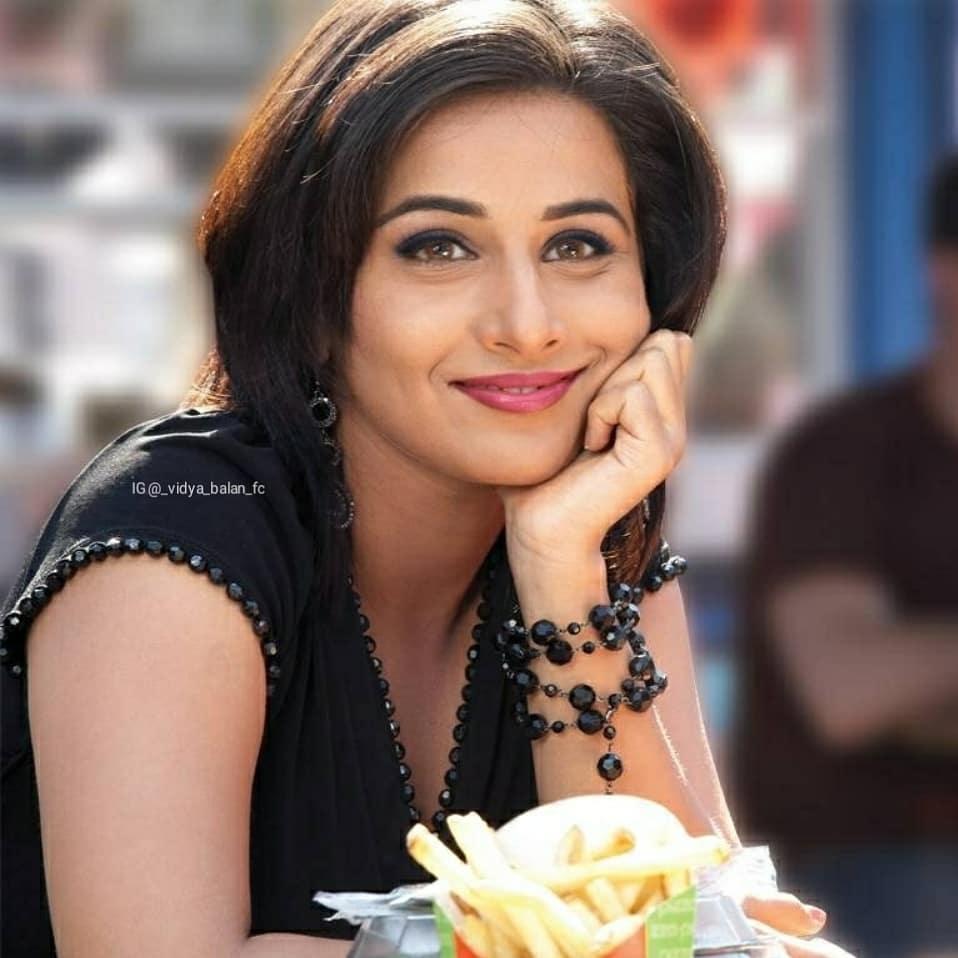 @unseenhotcelebs  How cute  ... Follow @kareena.kapoor_ @nazriya.___ @ileana_dcruz.official ..... ..... .... #vidyabalan #indianactress #indianfashion #queenofbollywood #bollywoodqueen #bollywoodhottie #bollywoodbeauty #bollywood #bollywoodmovies https://unseen.photos/how-cute-follow-vidyabalan-indianactress-indianfashi/…pic.twitter.com/kbclC6Vgx0