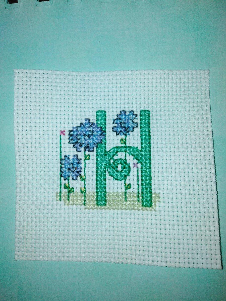 Loving these spring initials! #crossstitch #spring #crafting pic.twitter.com/fsdmdLI8Dv