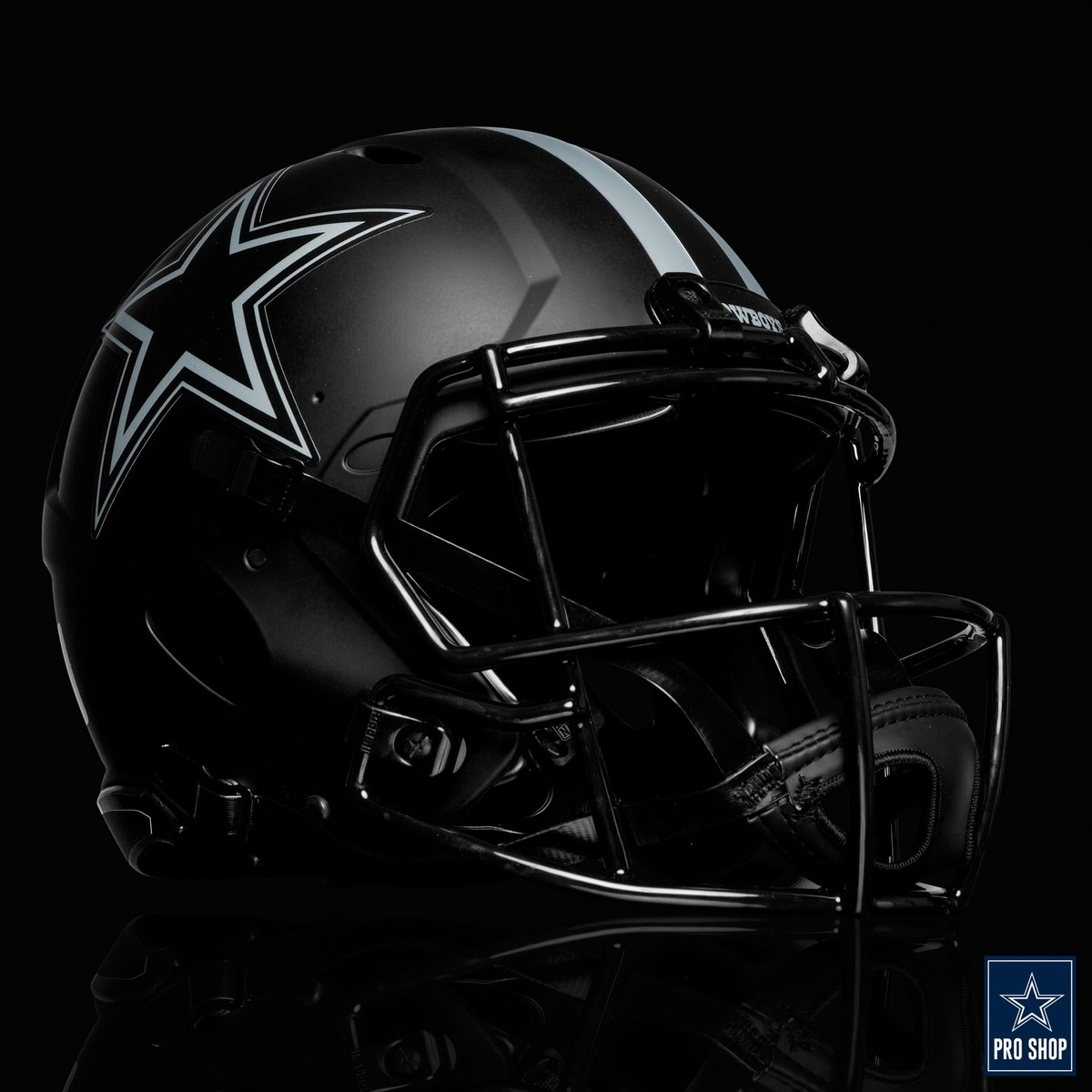 ⚠️ LOW STOCK ALERT ⚠️  The mini matte black helmet? SOLD OUT! Less than 15 full size replicas & less than 5 full size authentic versions are left online 👀   Add this one-of-a-kind #DallasCowboys helmet to your fan cave, office or next tailgate: https://t.co/yQPM33ivtr https://t.co/NwC9l3y4Xd
