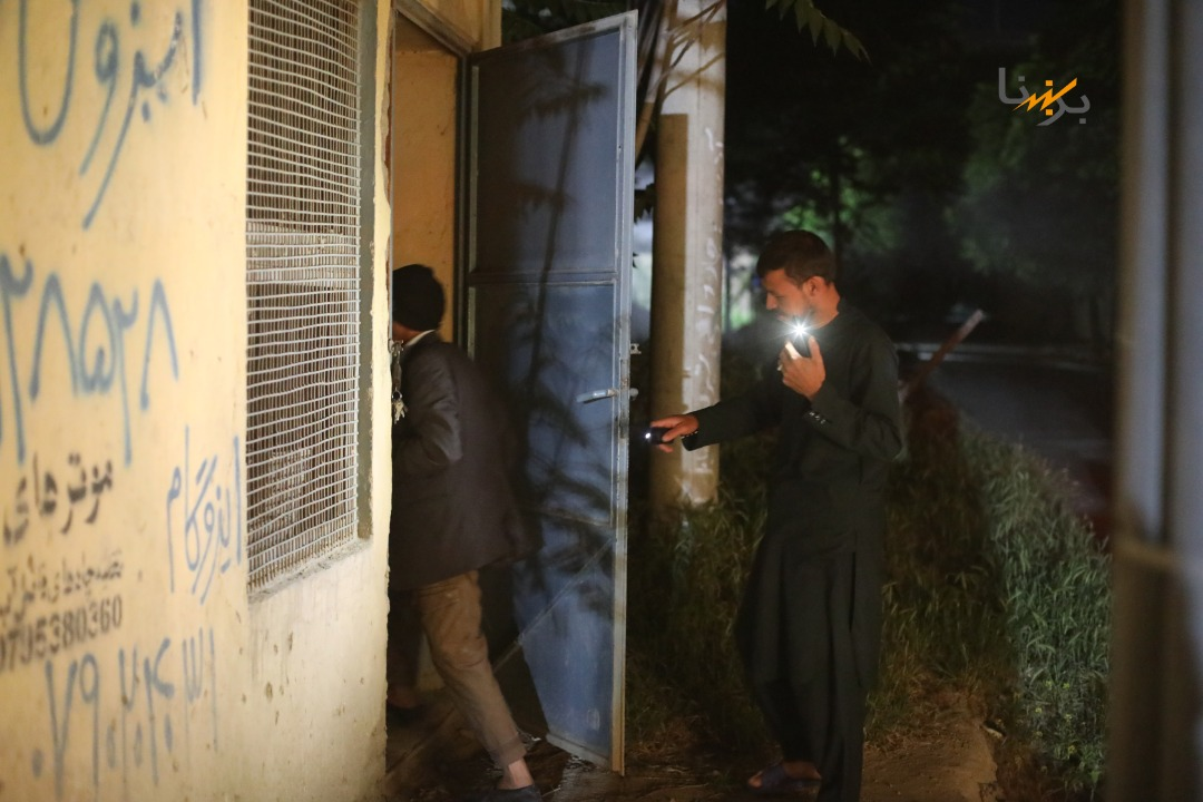 KABUL - some areas went out of electricity tonight. Thanks to my great engineers who all showed up to help the night shift to fix the issue in 2.5h to ensure electricity tonight. Job done!  I kept my promise; and thanked with a lamb for Eidi  EID MUBARAK  #LightingAfghanistan<br>http://pic.twitter.com/Ov2wZupqUx