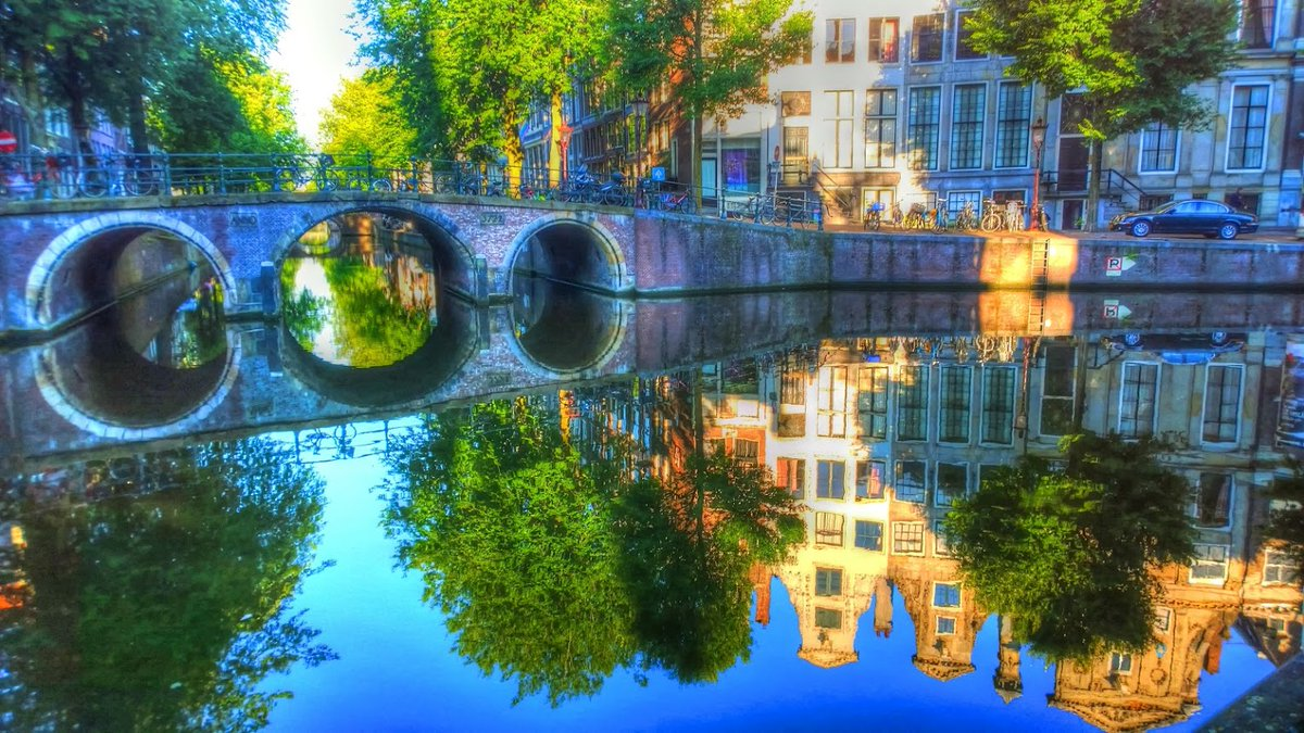 7 am picture from #Amsterdam Best moment to take pictures :-) pic.twitter.com/a5OZfebRVc