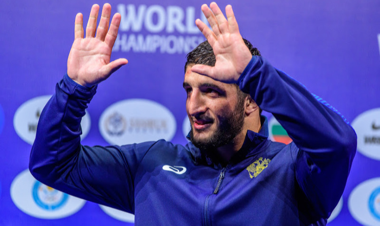 Olympic gold medalist Sadulaev gets COVID-19 https://t.co/tqBK3QiItx https://t.co/Yz5RIXRici
