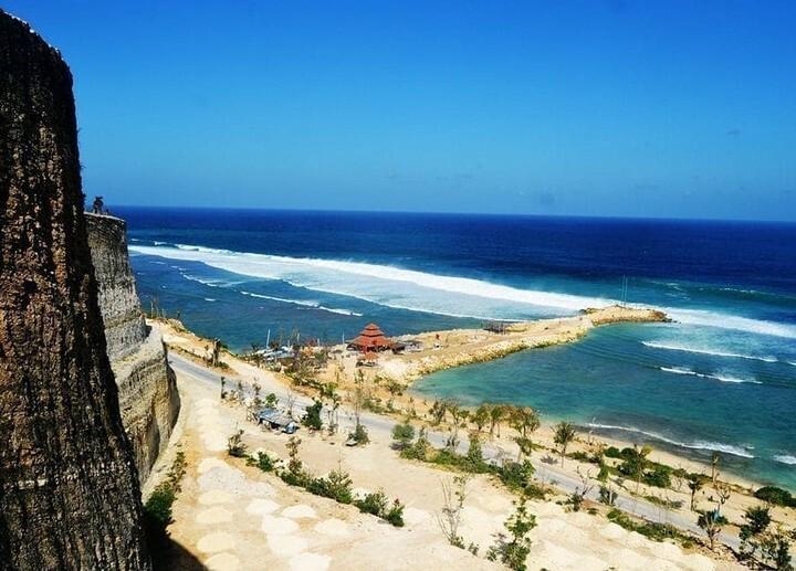 Pandawa Beach, Bali - Indonesia . How to support Bali Diving? Review us at https://review.balidiving.com/ . #padiathome #scubadivingmag #staysafe #padi #vitaminsea #oceanlife #balifundiving #balidivesafari #scubadivinginbali #baliscubadivingacademy #balidiving… https://instagr.am/p/CAliuBlpQLy/pic.twitter.com/MclNCoHWhB
