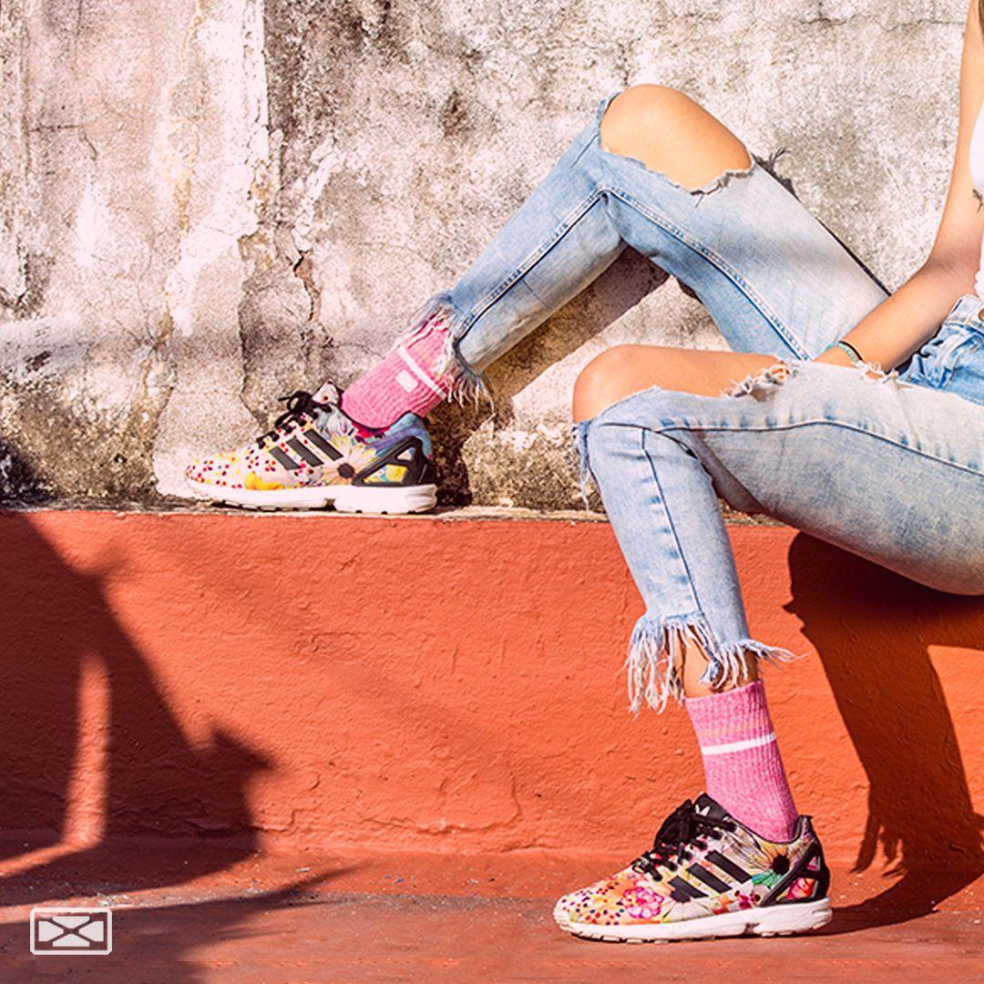 Que nada te impida seguir tu estilo  ⠀ .⠀ .⠀ Modelo: @valenwini Fotógrafo: @photodiegowini  .⠀ #goforit #urbanas #tripack #SOX #medias #calcetines #socks #sox #soxmedias #urbanas #stylishsocks #style #jeansstyle #streetwear #streetstyle #newsocks #fall #autumnstyle pic.twitter.com/BBRPiDsQZc
