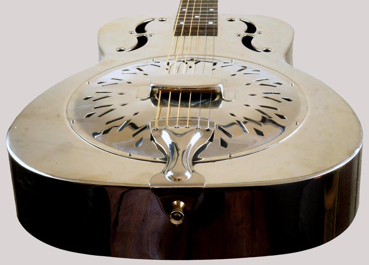 axl biscuit bridge single cone resonator guitar at Ukulele Corner