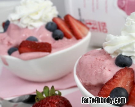 Summertime MuscLean Strawberry Ice Cream, To help you stay on your #fitnessjourney, #caloriecount, and #healthylifestyle. get Recipes @ https://fattofitbody.com/summertime-musclean-strawberry-ice-cream/…pic.twitter.com/RyXpJb45mB