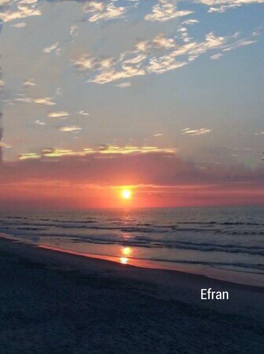 Wonderful evening and Good night to everyone     #Sunset #Surf #SaltLife #Playa #Ocean #VitaminSea   #Goodvibesonly #Love #Enjoytheviewpic.twitter.com/7JHQufXmHc