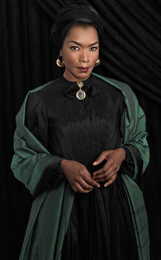 """Angelica Ross has proposed a season of """"American Horror Story"""" starring Angela Bassett, Adina Porter, herself, and Gabby Sidibe! Would you be here for it? #AHS <br>http://pic.twitter.com/RhPdfJ3JF7"""