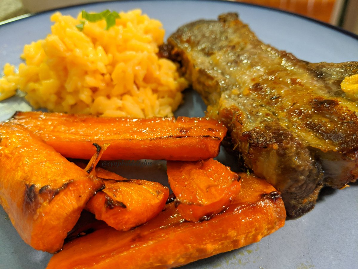 Ding  Ding  Dinner is served! The carrots with Phil's yellow rice, and roasted lamb breast. Get down, get down  #roastedveggies #roastlamb #rice This meal will stick to your ribs! #MemorialDay #delicious #tasty #dinner #Food #carrots #mealspic.twitter.com/l1JIUXeU97