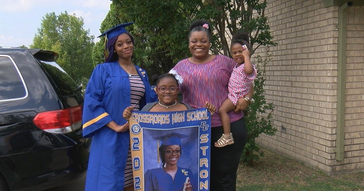 Crossroads High School holds in-person graduation buff.ly/2TAB4BR