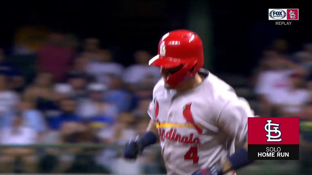 A Yadi 💣 ties it up. #STLCards This Cardinals Replay is airing now and again at 9pm on FOX Sports Midwest.