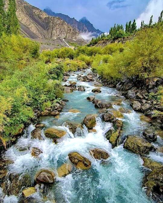 The Skardu Valley is located in Gilgit-Baltistan, India🇮🇳.The valley is about 10 km wide and 40 km long. It is at the confluence of the Shigar River and Indus River. #India #Indian #Hunza #Skardu #mountain #Japan #sky #Ladhak #GilgitBaltistan #beauty #Gilgit #POK #Tokyo #Kashmir https://t.co/yXikRuzg2x