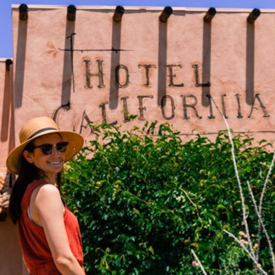 Welcome to the Hotel California! What a lovely place. #palm springs #desertweekend #NewProfilePicpic.twitter.com/wnZeMeNiah