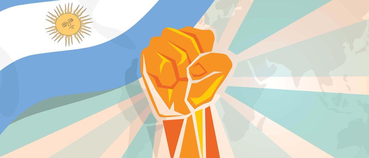 A 210 años de un pueblo que envuelto en coraje llevaba adelante una Revolución. Se conformaba la Primera Junta de Gobierno, iniciando un camino que seis años después nos declararía libres para siempre! Que esos valores, sigan siendo el motor para una #ArgentinaUnida #25DeMayo https://t.co/grkduvPRqB