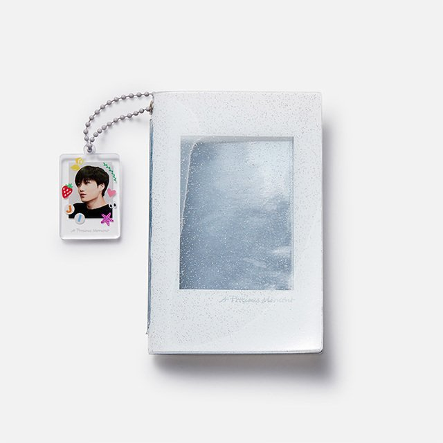 [A PRECIOUS MOMENT] EXO PHOTO HOLDER& KEYRING - KAI m.smtownandstore.com/surl/P/7248/?t… #엑소카이 #EXO #KAI #jongin #김종인 #카이 @weareoneEXO