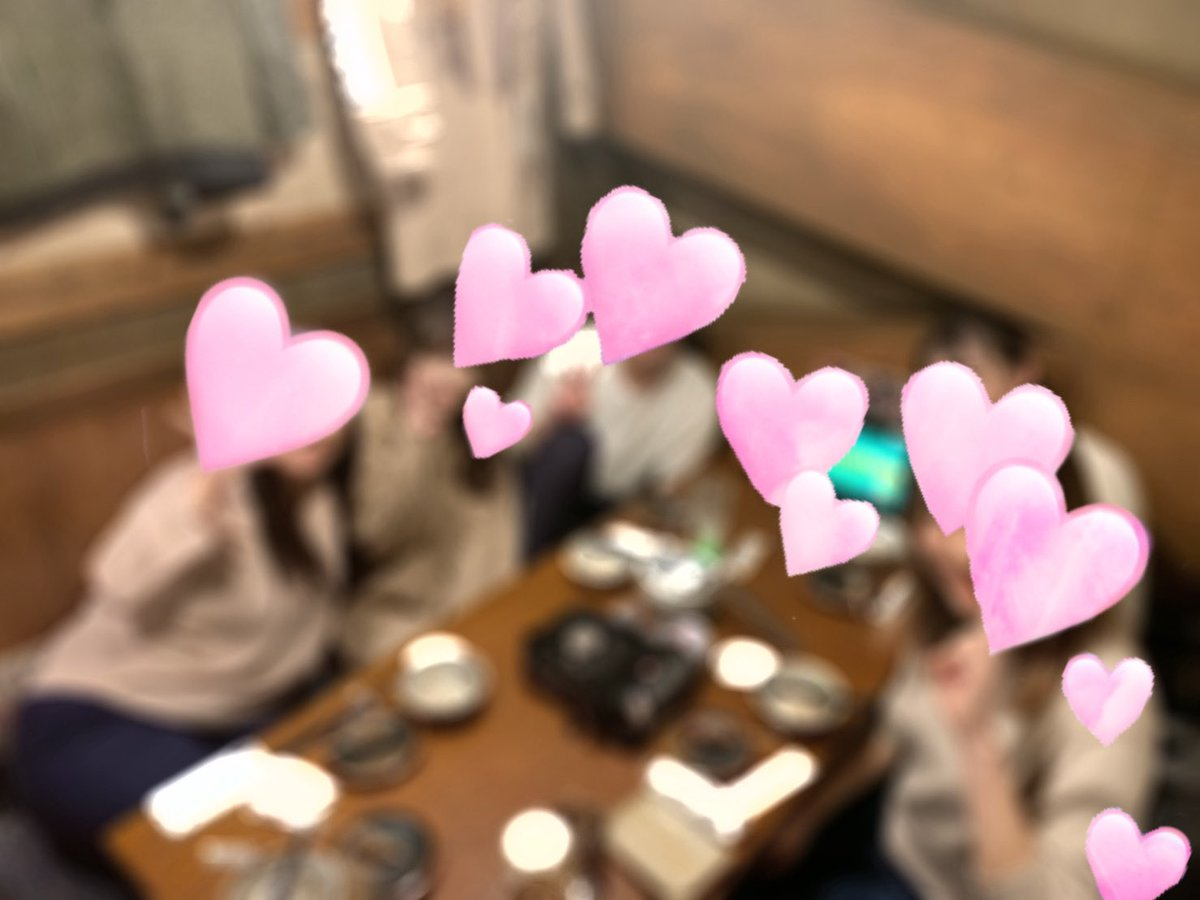 フェアリーテール横浜店です  スタッフと女の子で行った、今年の新年会の写真です寒い季節にお鍋がとっても美味しかった〜♪  コロナが落ち着いたら、今度は夏らしい物を食べにいく予定です  #チャットレディ #鍋料理 #女子会 pic.twitter.com/fHF0htxOjm