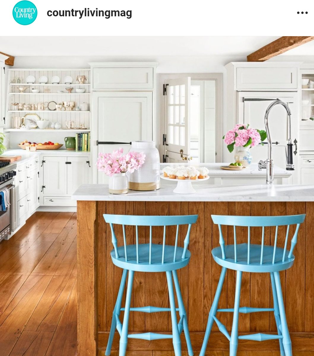 Like this little pop of color in the #kitchen. #decor #kitchen #diypic.twitter.com/BB96wIzcOq