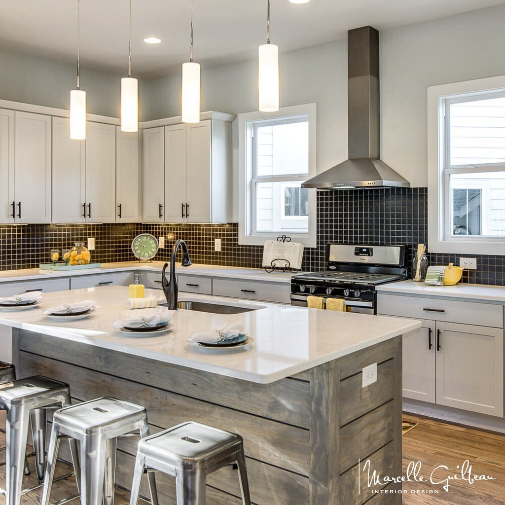 Black & white glam with rustic & retro nostalgia... oh my!  LOVE IT!   #SoulStyle #TheSoulfulHome #SoulfulKitchen #InteriorDesign #NashvilleInteriorDesign #Dreamkitchen #customhomes  #customhomedesign #customhomebuilders #remodel  #kitchendesign #kitchensofinstagram pic.twitter.com/Xxn2cBuK0S