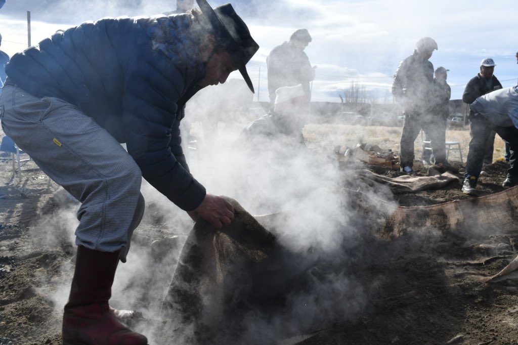 Felices 54 años de vida a la Comuna Rural de Cushamen, y a todos sus vecinos y dirigentes. Ya habrá tiempo para celebrar este nuevo aniversario! #QuedateEnCasa #Chubut https://t.co/2Akjn0GFqT